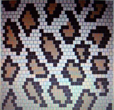 Далее плетем полотно, как показано на рисунке 1. Подбираем цвета бисера, имитируя шкуру леопарда по схеме.