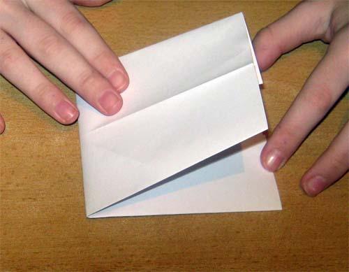 сложить к получившейся в прошлом пункте линии.  Об успехе свидетельствуют четыре маленьких квадратика. оригами.